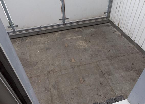 Balkonboden vorher