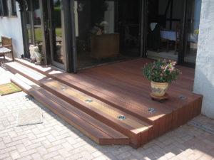 Holzbau Stocks – Terrasse mit Stufen
